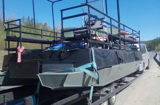 грузовой катер